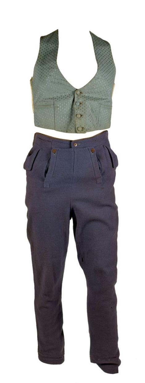 Arliss Rothschild Costume 1_edited-1