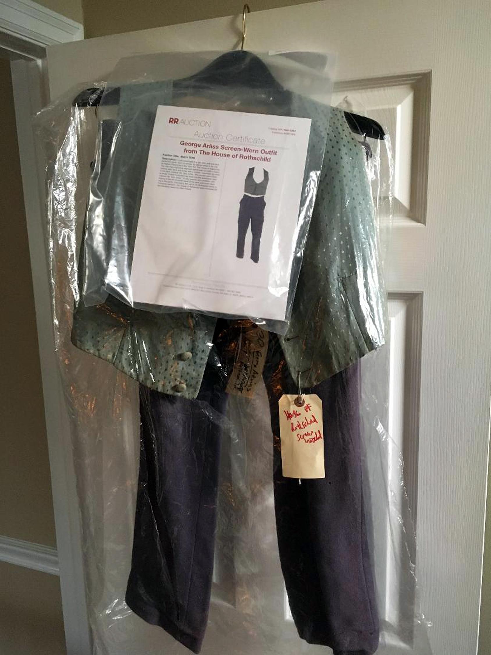 Rothschild Costume Set